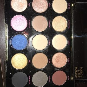 Urban Decay X Gwen Stafani Eyeshadow palette
